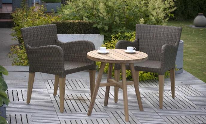 Furniture for small outdoor spaces